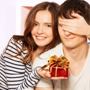 10 Best New Year Gifting Ideas for Husband or Boyfriend (India Targeted)