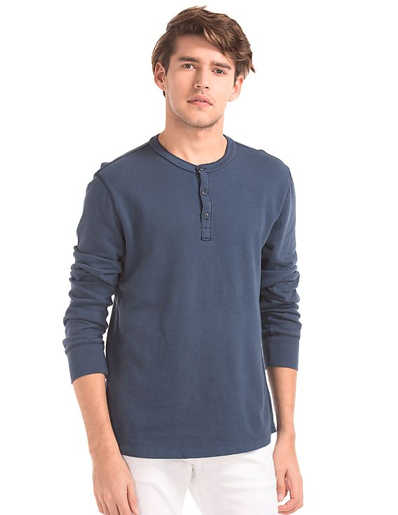 Buttoned tshirt by GAP