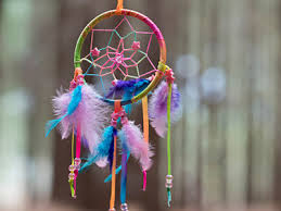 Making dream catchers by kids