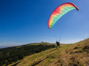 Top destinations for Paragliding in India