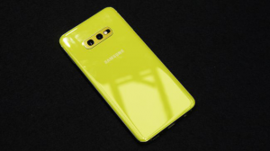 Samsung Galaxy S10 Back View