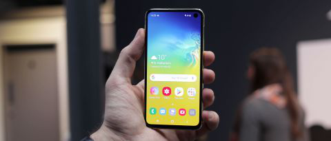 Samsung Galaxy S10 front display